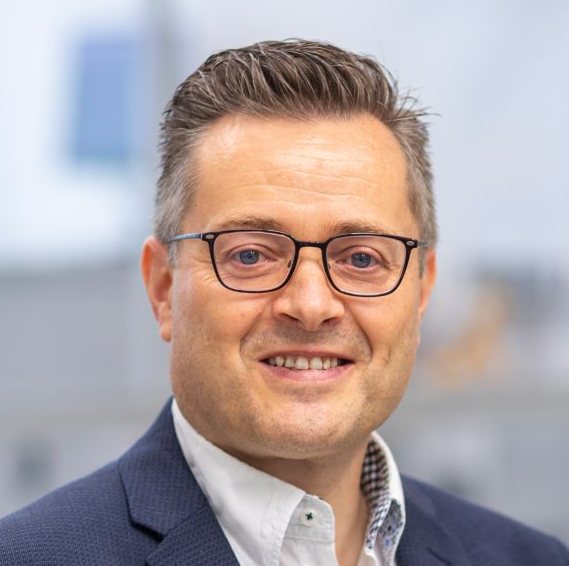 Guido Scharf, Niehues